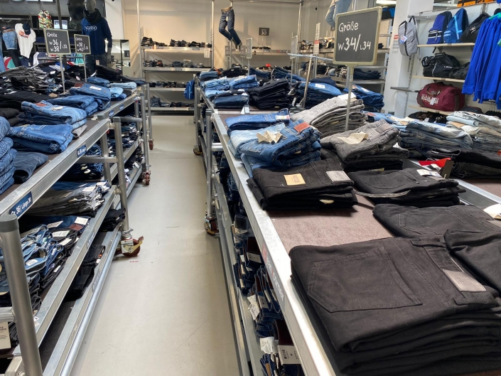 City Outlet Pasching Jeansabteilung Herren