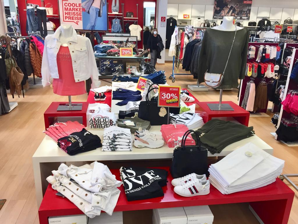 City Outlet Kapfenberg Modeabteilung Damen