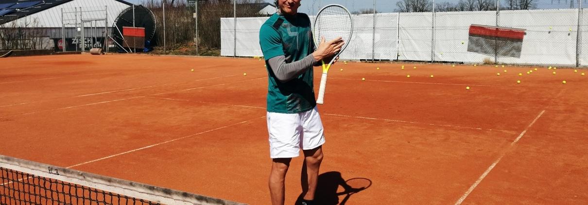 Tennis Bekleidung City Outlet Blog Dominik Wirlend grünes Shirt