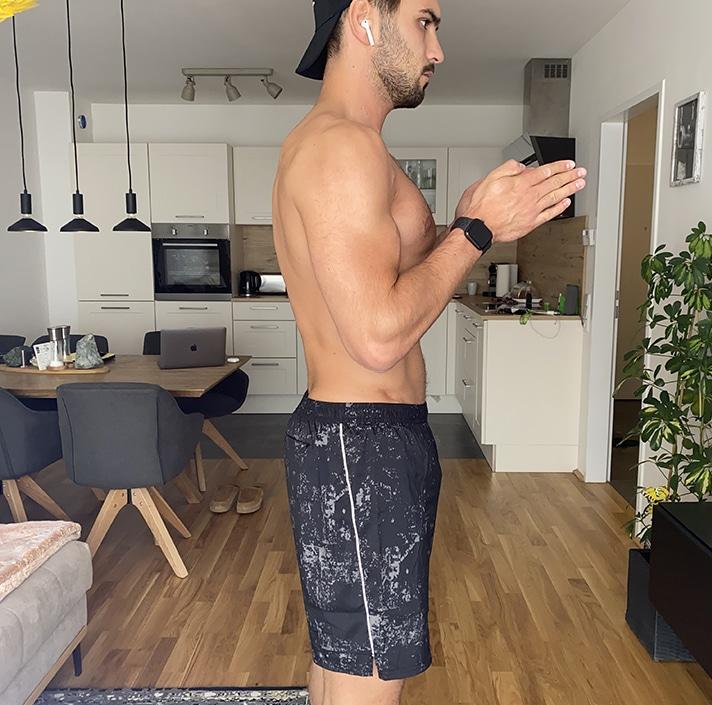 Kurzhantel Übungen City Outlet Blog Philipp Rafetseder Schulterdrücken Ausgangsposition