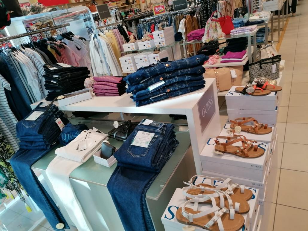 City Outlet Haid Modeabteilung Damen