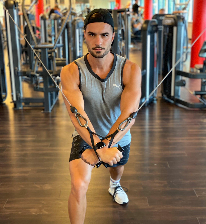 Trainingsplan 4er Split City Outlet Blog Philipp Rafetseder Brust Übung Seilzug fliegend
