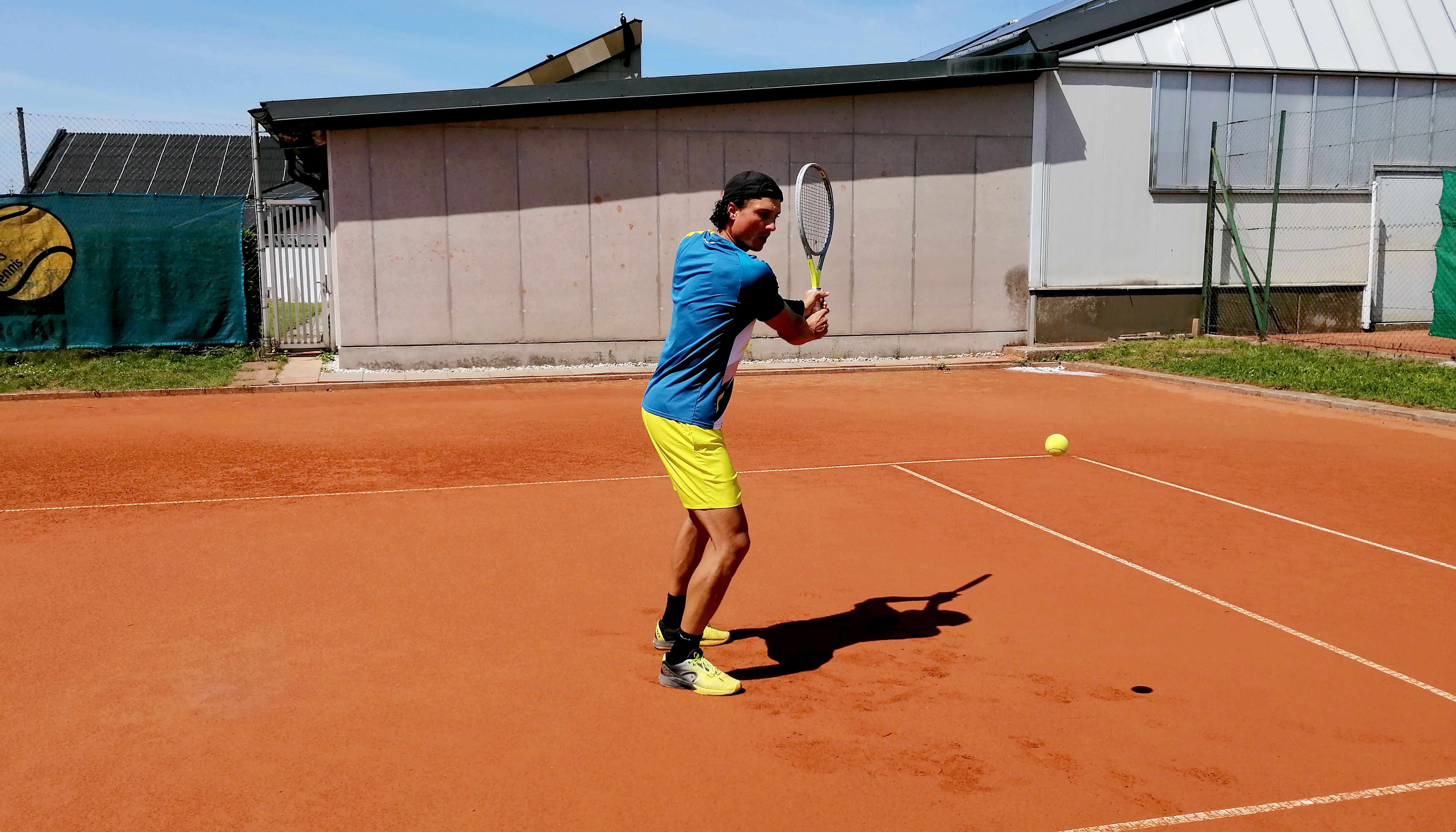 Tennis Vorhand & Tennis Rückhand City Outlet Blog Dominik Wirlend Rückhand