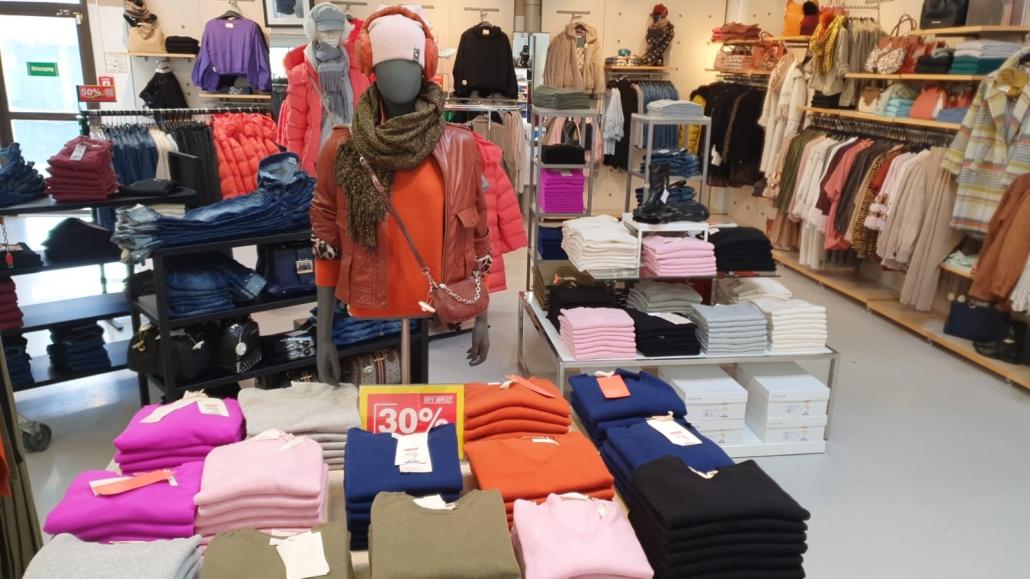City Outlet Pasching Modeabteilung Damen